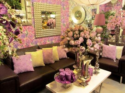 Belda Interiorismo expuso nuevas tendencias de decoración, jugando con las flores y colores.