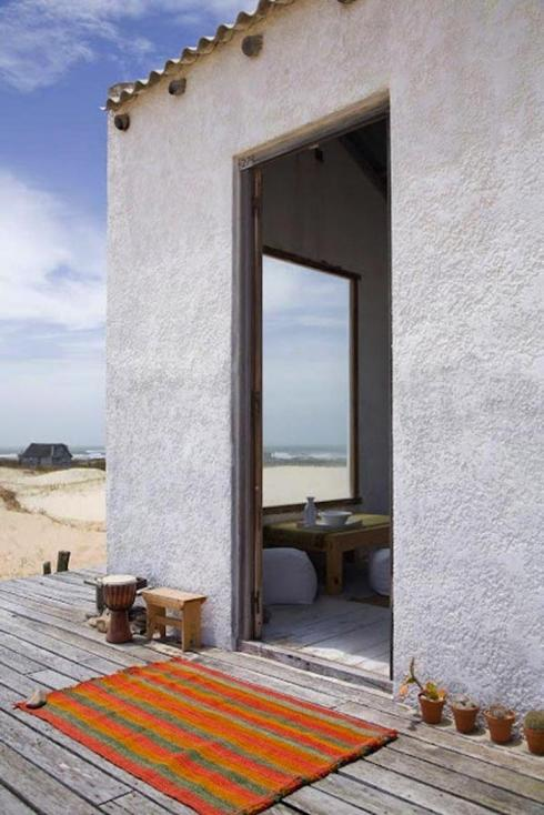 700_uruguay-beach-house-entry