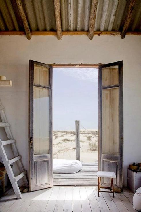 700_uruguay-beach-house-front-door (1)