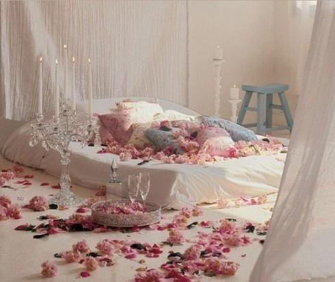 romantic-bedroom-for-Valentine-1