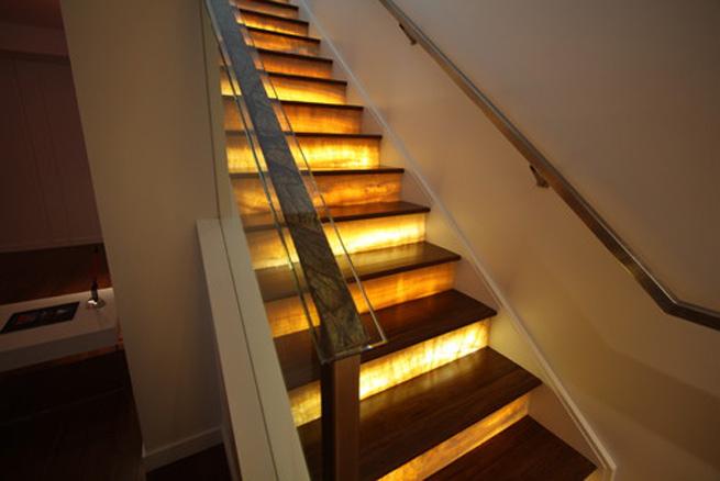 es importante tener en cuenta que las escaleras y pasillos deben tener una buena iluminacin por cuestiones de seguridad