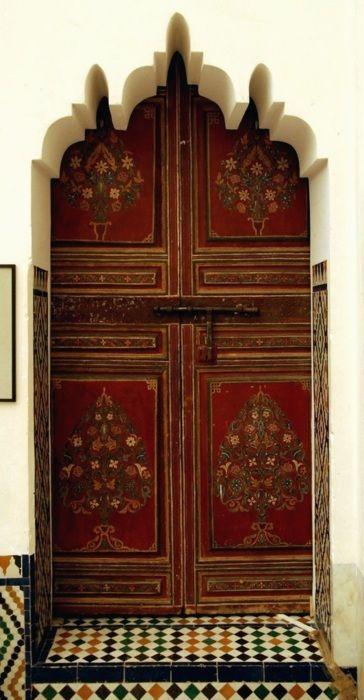 Puertas y muebles pintados de fantas a decorapolis for Muebles gitanos