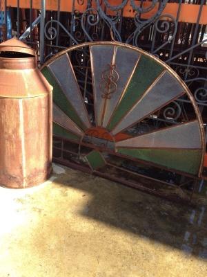 Ventana hierro cristal colores 160 diametro y 105 alto